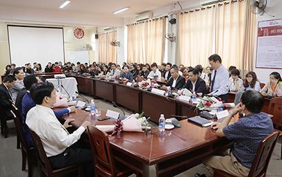 Sinh viên Duy Tân giao lưu với doanh nghiệp