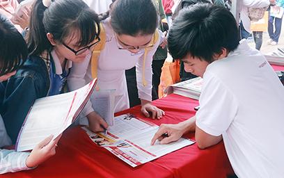 Đại học Duy Tân tư vấn tuyển sinh tại THPT Phan Chu Trinh