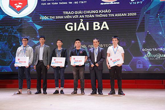 Đội tuyển ISIT-DTU1 của trường ĐH Duy Tân giành giải Ba tại cuộc thi