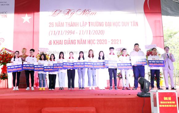 Học bổng 2020-2021 cho sinh viên Đại học Duy Tân lên đến hàng chục tỉ đồng