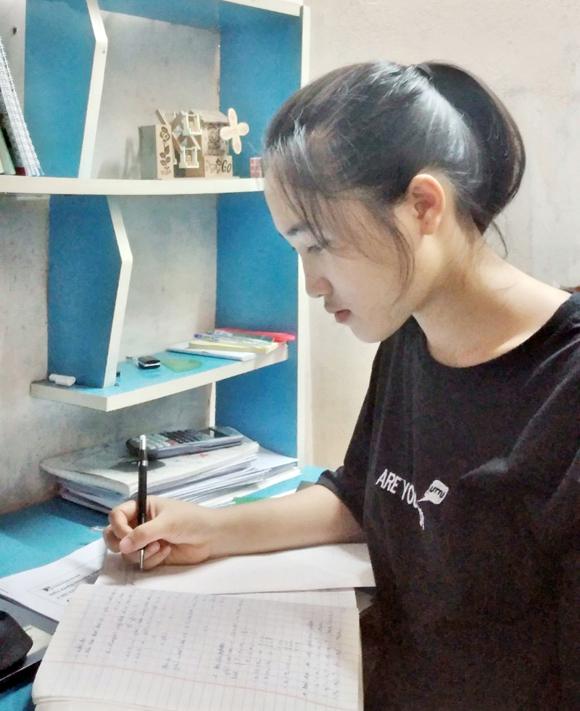 Nữ sinh đạt 27,65 điểm trúng tuyển ngành An ninh mạng chuẩn CMU của Đại học Duy Tân