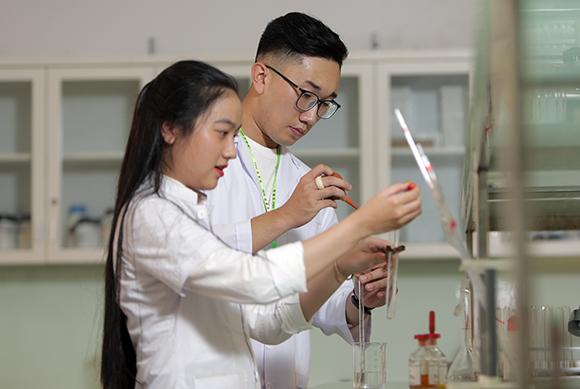 Đại học Duy Tân mở ngành Thạc sĩ Tổ chức Quản lý Dược