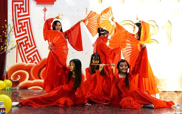 Ấn tượng Gala Chào năm mới 2021 của Khoa Tiếng Trung Đại học Duy Tân