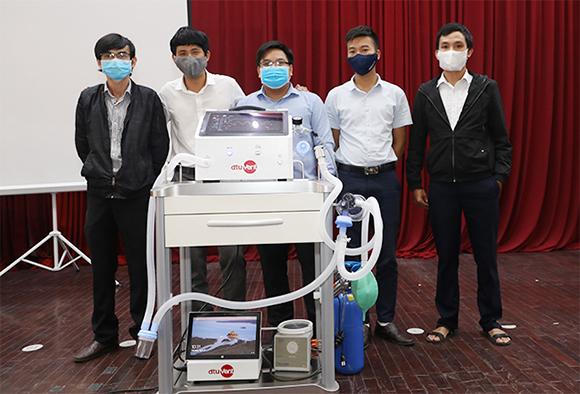 Máy thở dtu-VENT Ver2.0 hỗ trợ cả thở xâm nhập với chi phí dưới 50 triệu đồng