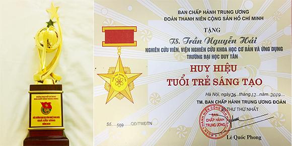 Cúp Vàng và Huy hiệu Tuổi trẻ Sáng tạo trao cho TS Trần Nguyễn Hải