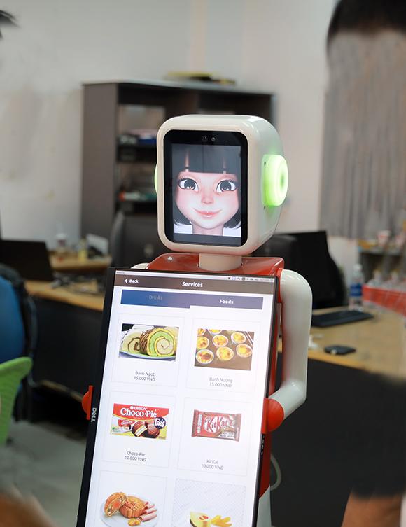 Nhóm Nghiên c?u AI c?a ÐH Duy Tân Ch? t?o Robot Ph?c v?