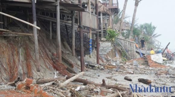 Quảng Nam nên xây dựng kè ngầm chắn sóng, nhằm khắc phục tình trạng sạt lở ven biển Hội An.