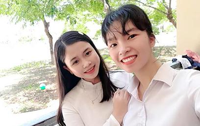 Nữ sinh có điểm Địa lý cao nhất Quảng Nam đăng ký NV1 vào Đại học Duy Tân