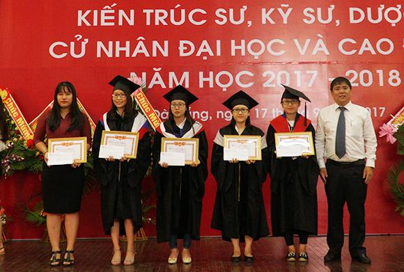 Phát bằng Tốt nghiệp Liên thông Đại học đợt tháng 9/2017