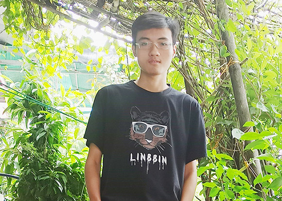 Tạ Việt Đức lựa chọn học ngành Trí tuệ Nhân tạo tại ĐH Duy Tân cùng niềm yêu thích tạo ra các sản phẩm thông minh
