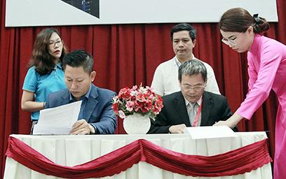 Đại học Duy Tân Ký kết Hợp tác với CMC Telecom