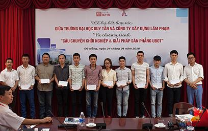 Công ty Xây dựng Lâm Phạm trao Học bổng cho Sinh viên Duy Tân