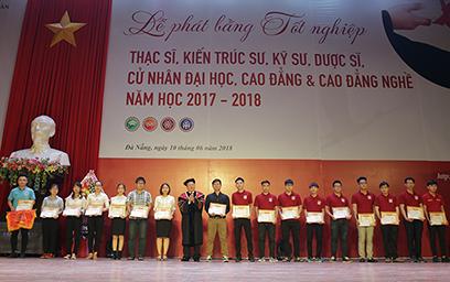 Đại học Duy Tân Phát Bằng Tốt nghiệp năm học 2017 - 2018