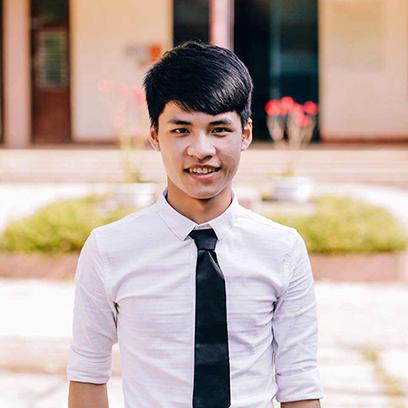 Lê Van Ð?c (27/30 di?m) - tân sinh viên ÐH Duy Tân