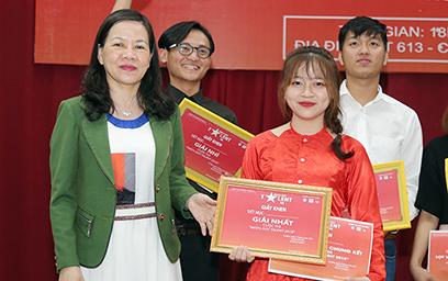 Tài năng Sinh viên Duy Tân Tỏa sáng tại Đêm Chung kết Med's Got Talent