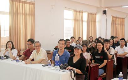 Khai mạc Chương trình Learning Express 2017 tại Đại học Duy Tân