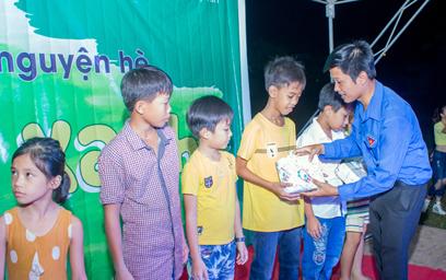 Sinh viên Duy Tân trong chiến dịch Mùa Hè Xanh 2017