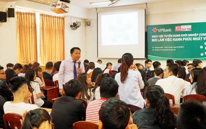 """Sinh viên Duy Tân """"Khởi nghiệp cùng VPBank"""""""