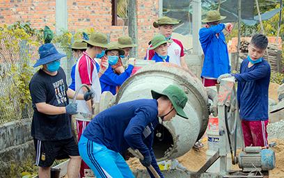 Sinh viên Duy Tân với Chiến dịch Hành quân Tham gia Xây dựng Nông thôn mới