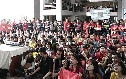 Sinh viên Duy Tân Cuồng nhiệt với U23 Việt Nam