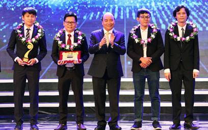 Nhân tài Đất Việt giúp Chinh phục những Đỉnh cao của Nhân loại