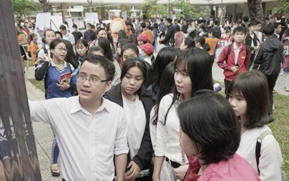 Đại học Duy Tân Tư vấn Tuyển sinh tại trường THPT Phan Châu Trinh, Đà Nẵng