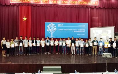Khoa Đào tạo Quốc tế Hướng nghiệp cho SV ngành Công nghệ Thông tin