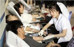 Hàng trăm Sinh viên DTU Hiến máu Nhân đạo