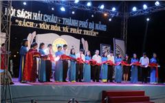 Đại học Duy Tân tham gia Hội sách Hải Châu - Tp. Đà Nẵng năm 2016