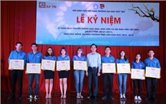 DTU trao Học bổng và Khen thưởng Nhân ngày Học sinh Sinh viên Việt Nam