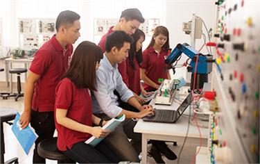 Sinh viên Nghiên cứu Khoa học Lĩnh vực Điện - Điện tử
