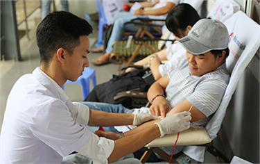 DTU Students participate in Blood Donation Day