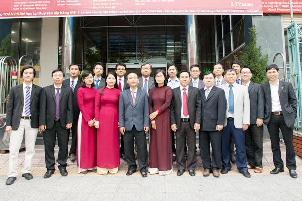 Đội ngũ cán bộ, giảng viên Khoa Sau Đại học của Đại học Duy Tân