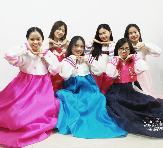 Giảng viên Khoa Tiếng Hàn