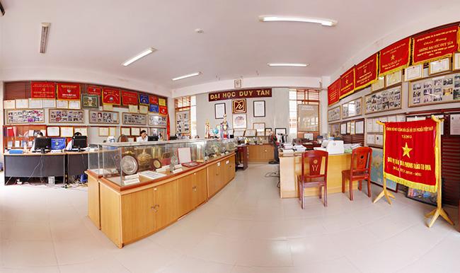 Phòng truyền thống đại học duy tân