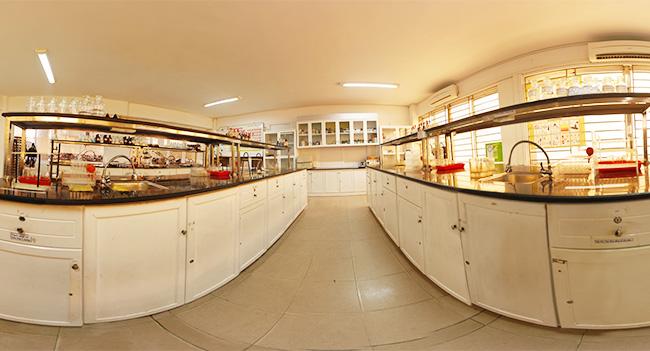 Phòng thí nghiệm Đại học Duy Tân