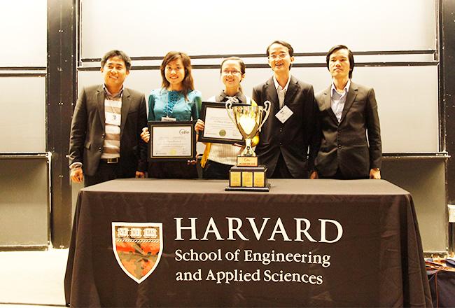 Niềm vui của Đoàn Đại học Duy Tân khi nhận Cúp vô địch CDIO Academy