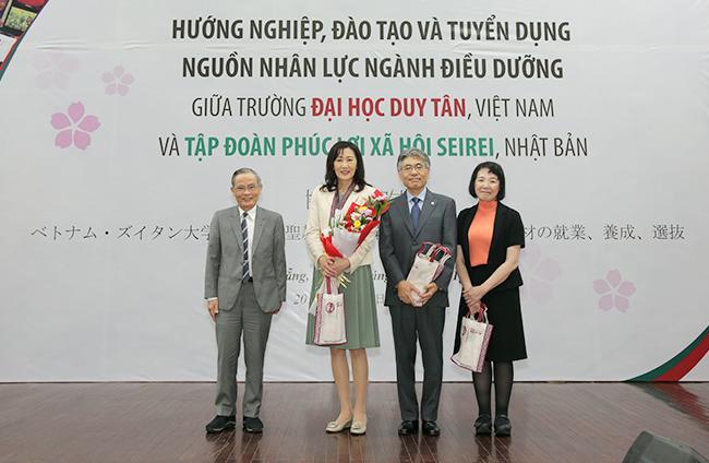 Lễ ký kết hợp tác hướng nghiệp, đào tạo và tuyển dụng nguồn nhân lực ngành Điều dưỡng giữa Đại học Duy Tân và Tập đoàn Seirei (Nhật Bản)