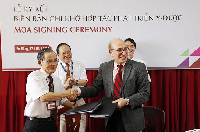 Lễ ký kết hợp tác đào tạo Y-Dược giữa Đại học Duy Tân và Đại học Illinois