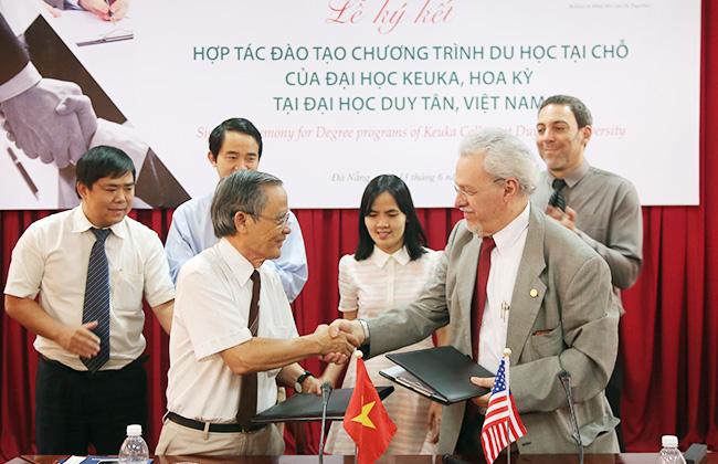 ĐH Duy Tân ký kết chương trình Du học tại chỗ với ĐH Keuka, Mỹ