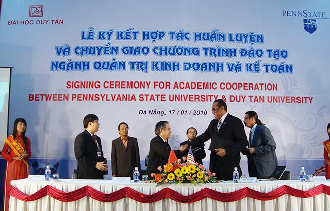 Đại học Duy Tân ký kết với Đại học Bang Pennsylvania (PSU) mang đến cơ hội học các ngành Tiến tiến và Quốc tế cho sinh viên ngành Du lịch