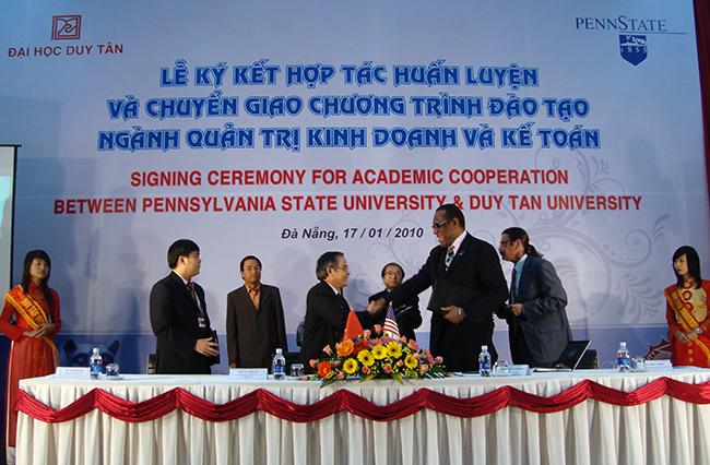 Đại học Duy Tân ký kết hợp tác với Đại học Pennsylvania
